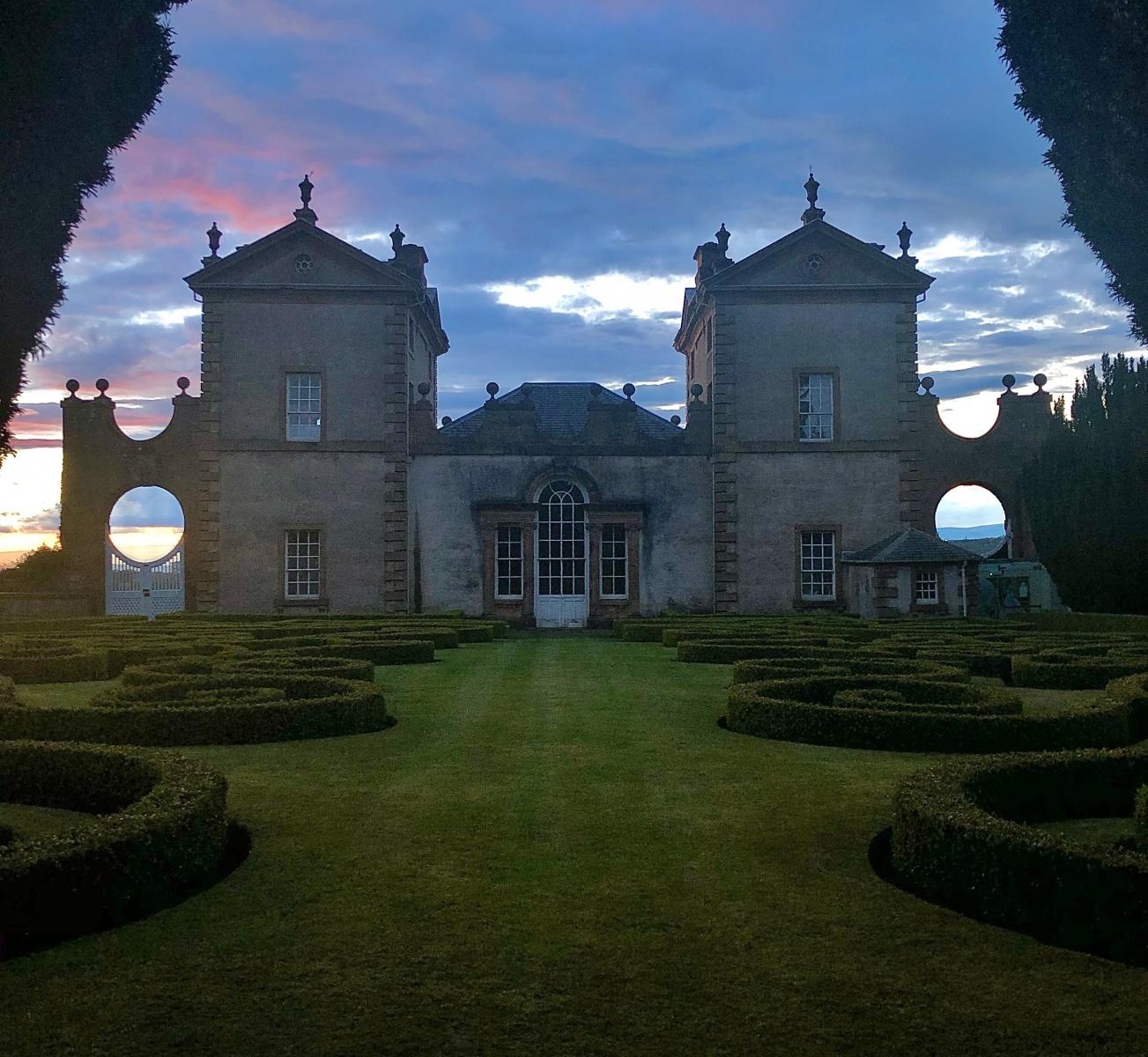 Chatelheraut Castle